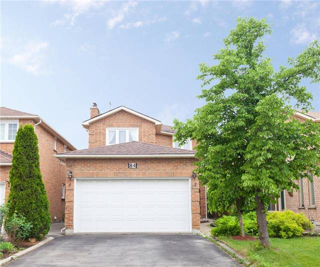 Main Photo: 84 Candy Crest in Brampton: Northwood Park House (2-Storey) for sale : MLS(r) # W3518120