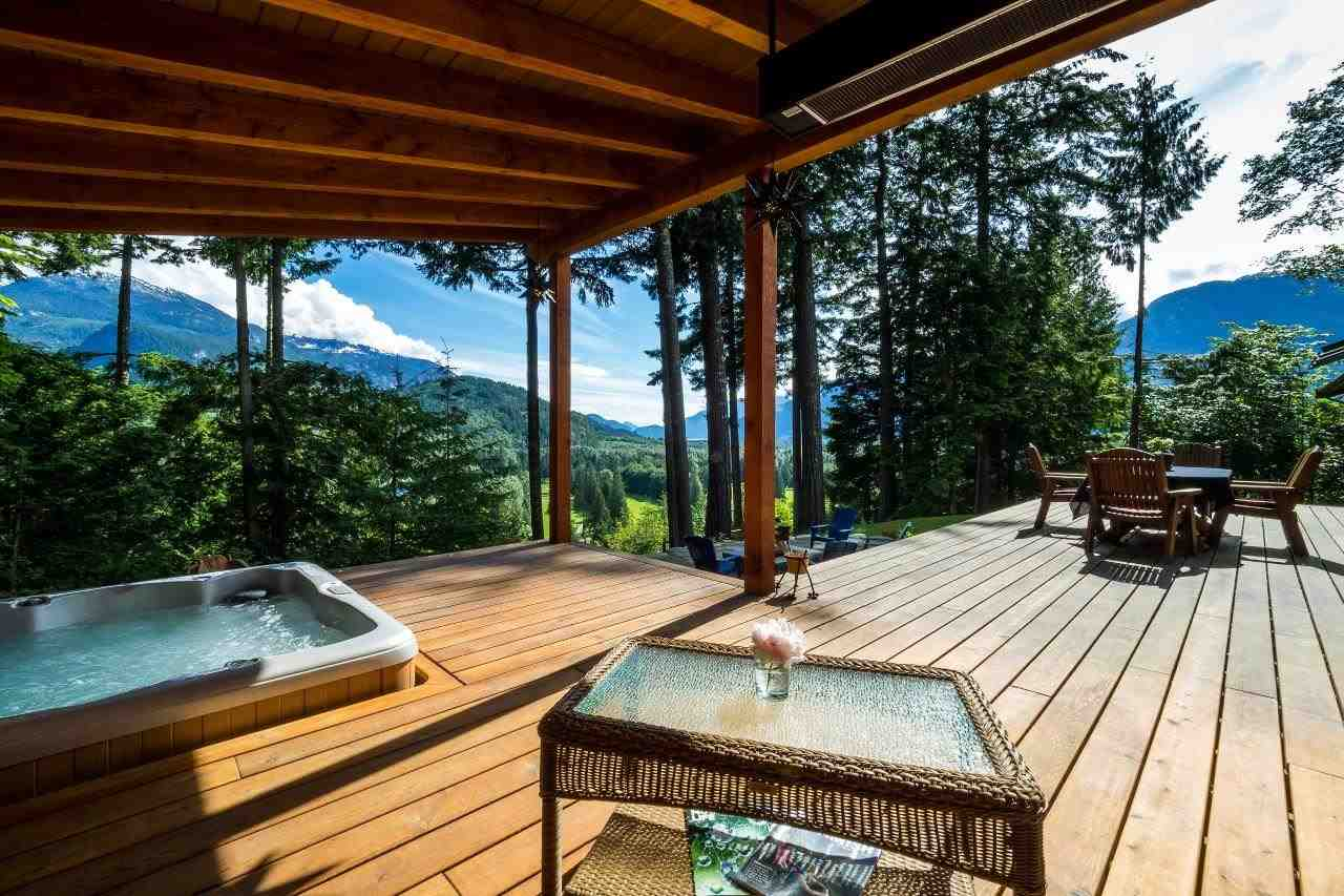 "Main Photo: 40218 KINTYRE Drive in Squamish: Garibaldi Highlands House for sale in ""GARIBALDI HIGHLANDS, KINTYRE BENCH"" : MLS(r) # R2081825"