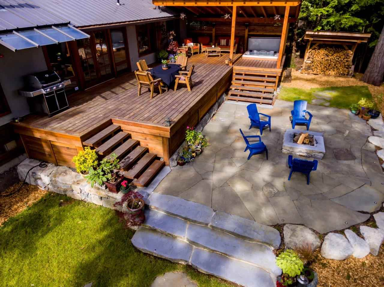 Covered bbq area, hot tub, firepit  a true sanctuary!