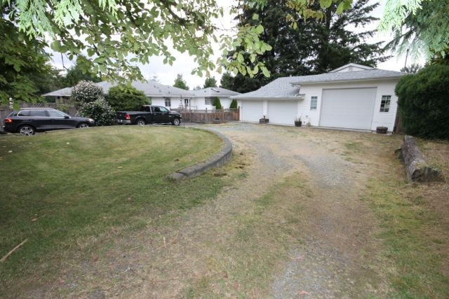 Main Photo: 23245 46 Avenue in Langley: Salmon River House for sale : MLS® # R2100995