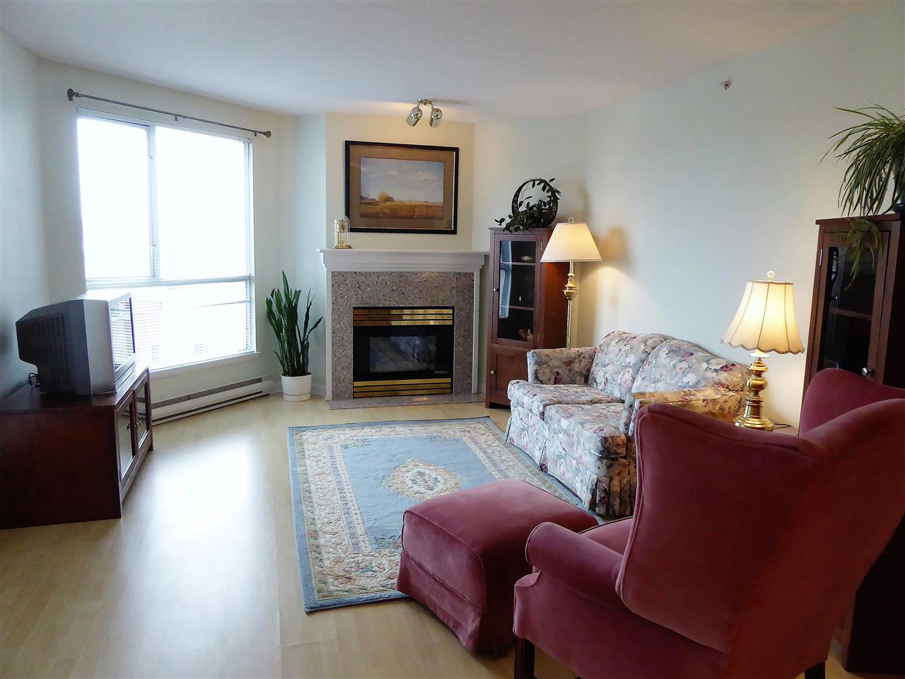 "Photo 2: 701 1185 QUAYSIDE Drive in New Westminster: Quay Condo for sale in ""RIVIERA"" : MLS(r) # R2117245"
