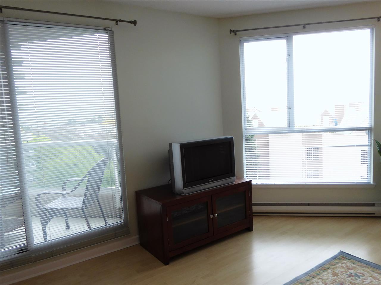 "Photo 6: 701 1185 QUAYSIDE Drive in New Westminster: Quay Condo for sale in ""RIVIERA"" : MLS(r) # R2117245"