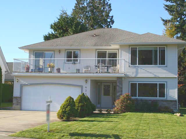 "Main Photo: 475 EAGLECREST Drive in Gibsons: Gibsons & Area House for sale in ""GIBSONS"" (Sunshine Coast)  : MLS® # R2137420"