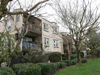"Main Photo: 304 1429 E 4TH Avenue in Vancouver: Grandview VE Condo for sale in ""Sandcastle Villa"" (Vancouver East)  : MLS(r) # R2149999"