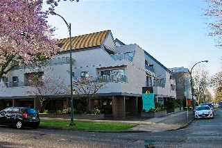 "Main Photo: 206 5920 EAST Boulevard in Vancouver: Kerrisdale Condo for sale in ""OAKWOOD TERRACE"" (Vancouver West)  : MLS(r) # R2156925"