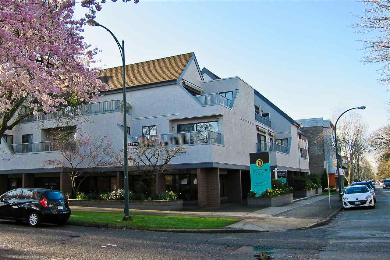 "Main Photo: 206 5920 EAST Boulevard in Vancouver: Kerrisdale Condo for sale in ""OAKWOOD TERRACE"" (Vancouver West)  : MLS® # R2156925"