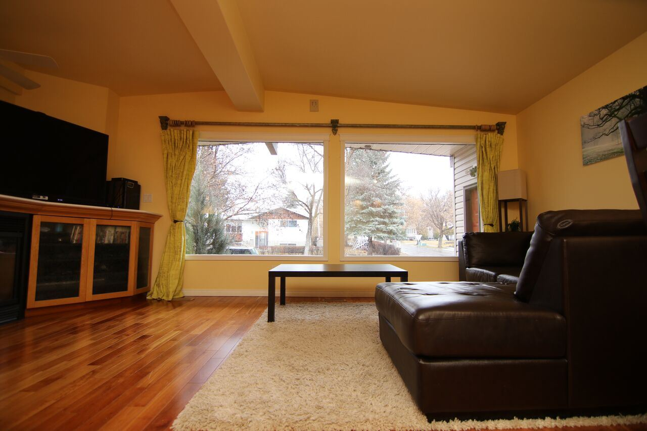 Photo 4: 28 MONTCALM Crescent: St. Albert House for sale : MLS(r) # E4059953