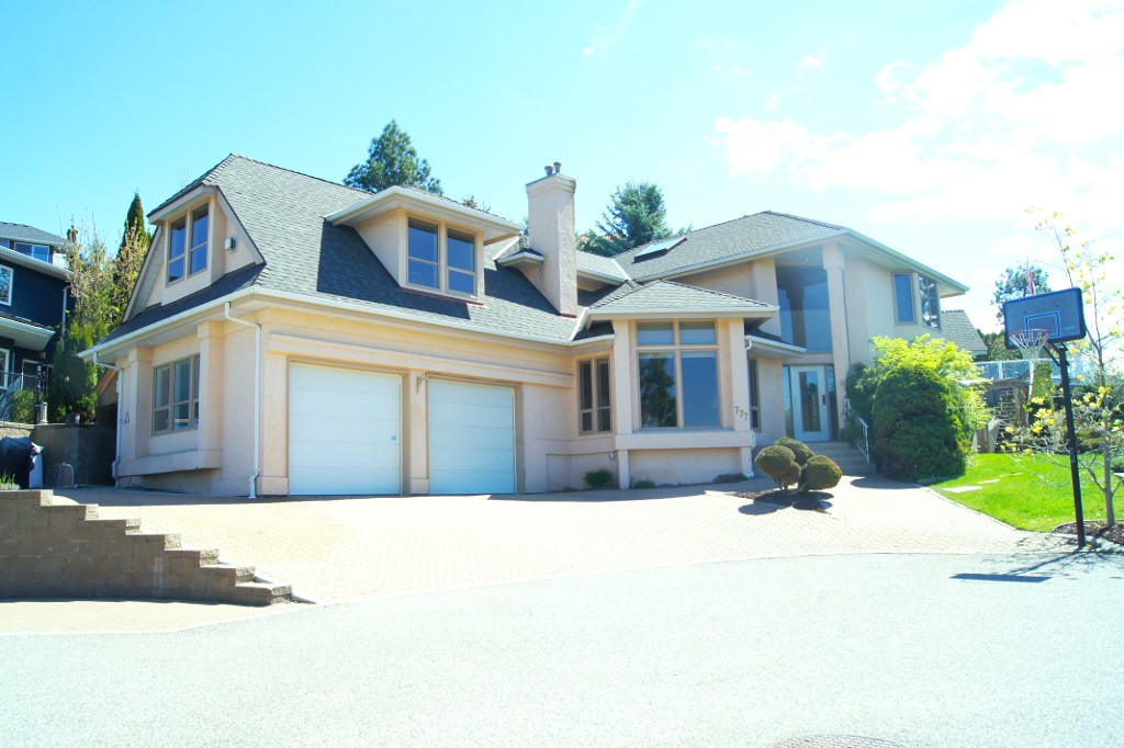 Main Photo: 777 Westpoint Drive in Kelowna: Lower Mission House for sale : MLS® # 10133832