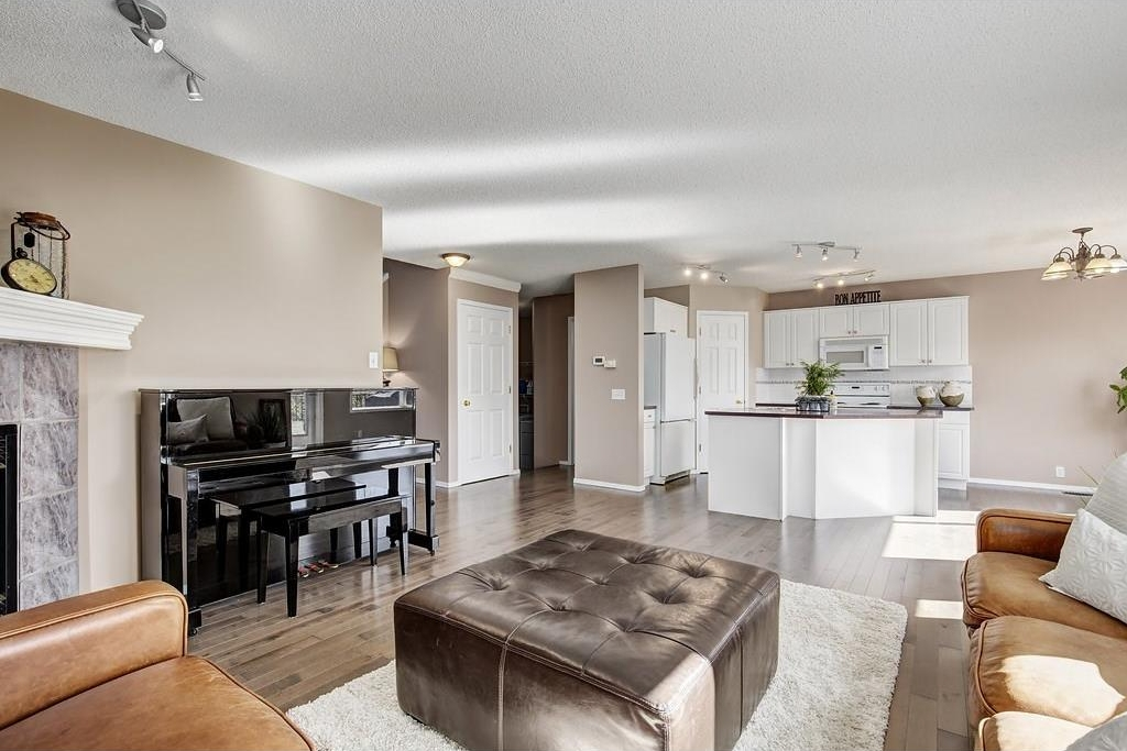 Photo 5: 147 TUSCANY HILLS Circle NW in Calgary: Tuscany House for sale : MLS® # C4115208