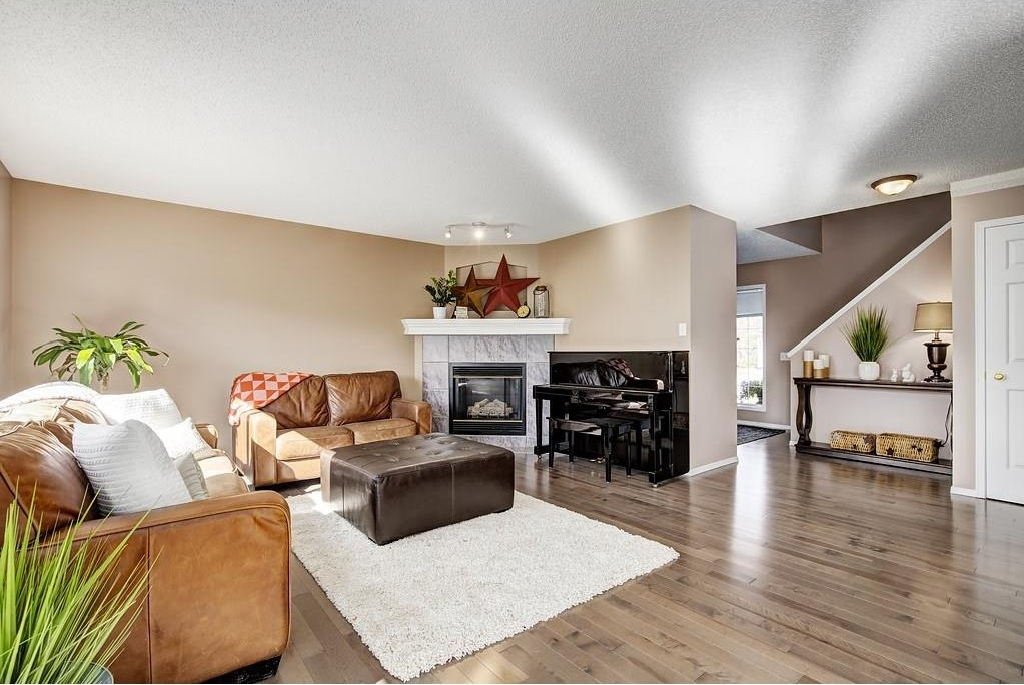 Photo 4: 147 TUSCANY HILLS Circle NW in Calgary: Tuscany House for sale : MLS(r) # C4115208