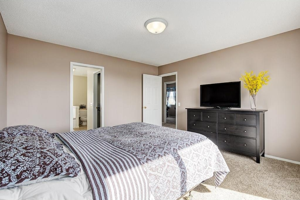 Photo 15: 147 TUSCANY HILLS Circle NW in Calgary: Tuscany House for sale : MLS(r) # C4115208