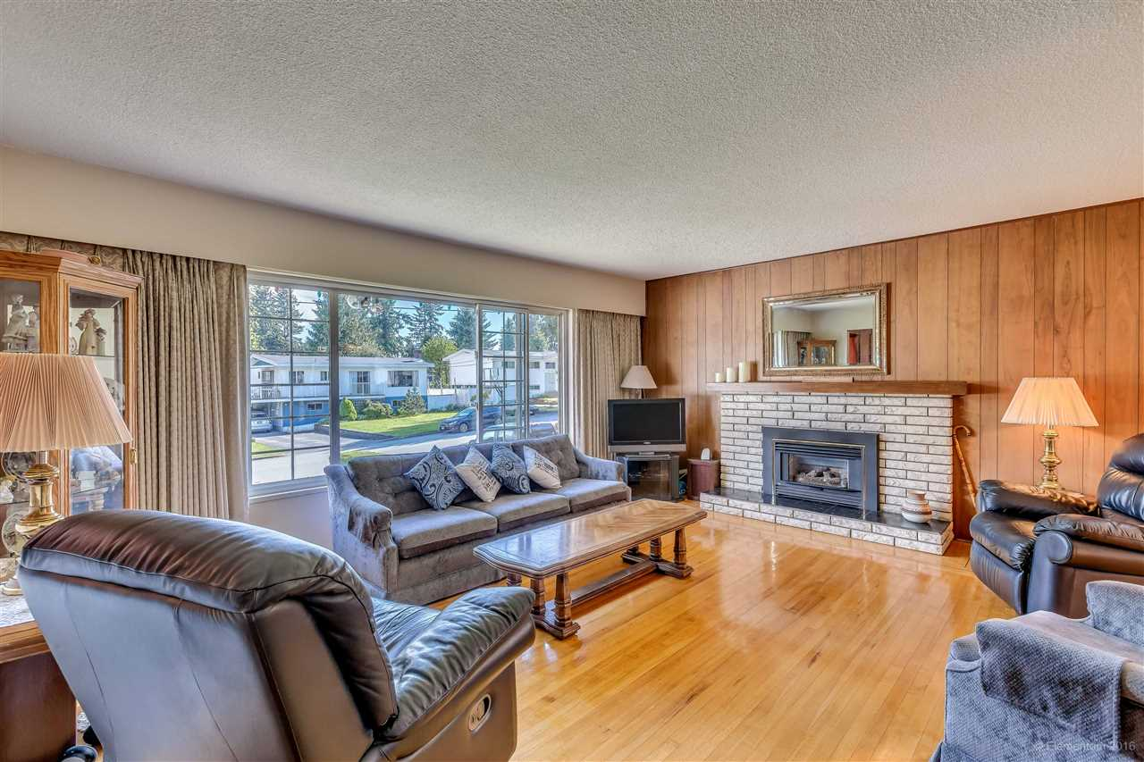 Photo 13: 2311 LATIMER Avenue in Coquitlam: Central Coquitlam House for sale : MLS® # R2169702