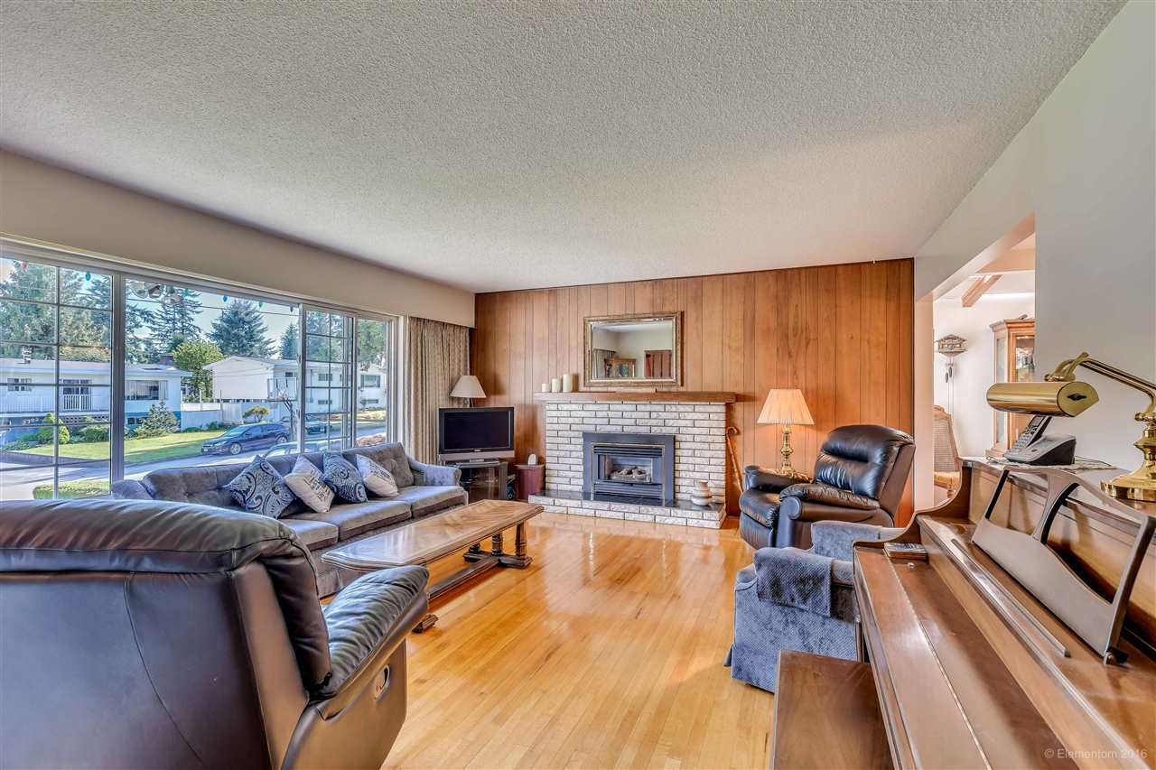 Photo 12: 2311 LATIMER Avenue in Coquitlam: Central Coquitlam House for sale : MLS® # R2169702