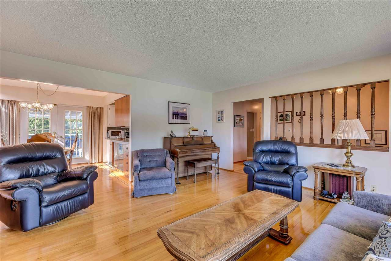 Photo 15: 2311 LATIMER Avenue in Coquitlam: Central Coquitlam House for sale : MLS® # R2169702