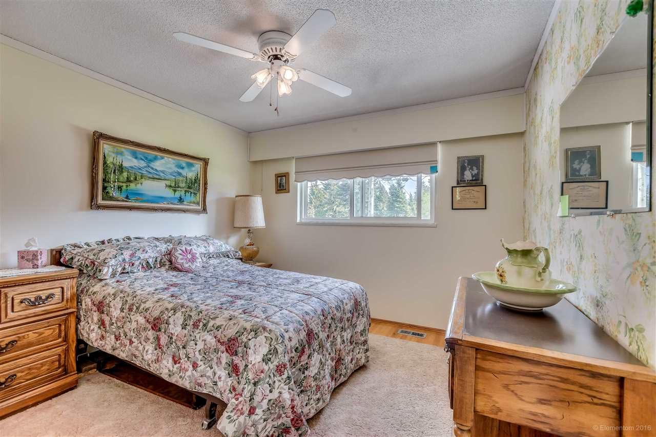 Photo 6: 2311 LATIMER Avenue in Coquitlam: Central Coquitlam House for sale : MLS® # R2169702
