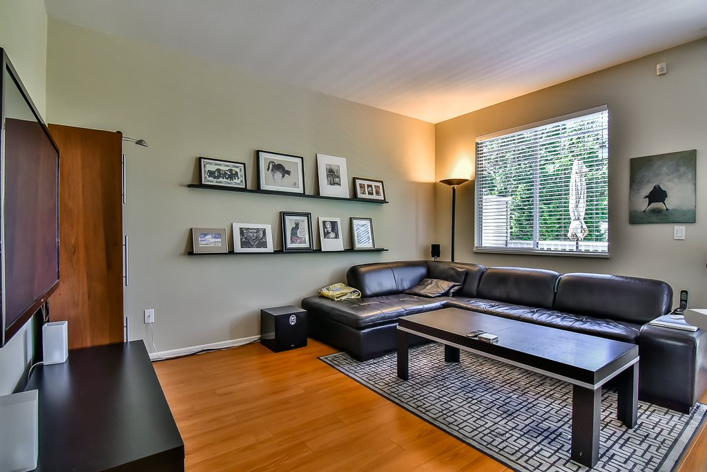 "Photo 10: 88 7501 CUMBERLAND Street in Burnaby: The Crest Townhouse for sale in ""DEERFIELD"" (Burnaby East)  : MLS(r) # R2170143"