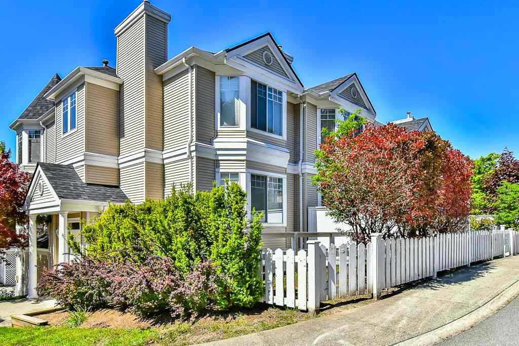 "Main Photo: 88 7501 CUMBERLAND Street in Burnaby: The Crest Townhouse for sale in ""DEERFIELD"" (Burnaby East)  : MLS(r) # R2170143"