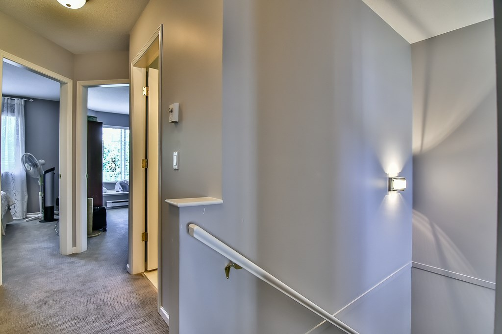 "Photo 13: 88 7501 CUMBERLAND Street in Burnaby: The Crest Townhouse for sale in ""DEERFIELD"" (Burnaby East)  : MLS(r) # R2170143"