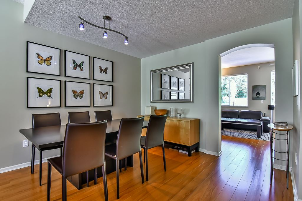 "Photo 5: 88 7501 CUMBERLAND Street in Burnaby: The Crest Townhouse for sale in ""DEERFIELD"" (Burnaby East)  : MLS(r) # R2170143"