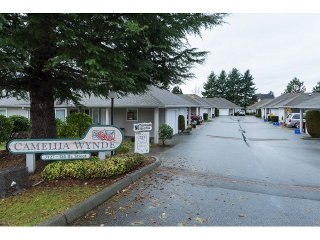 Photo 2: 22 7127 124 STREET in Surrey: Home for sale : MLS® # R2016035