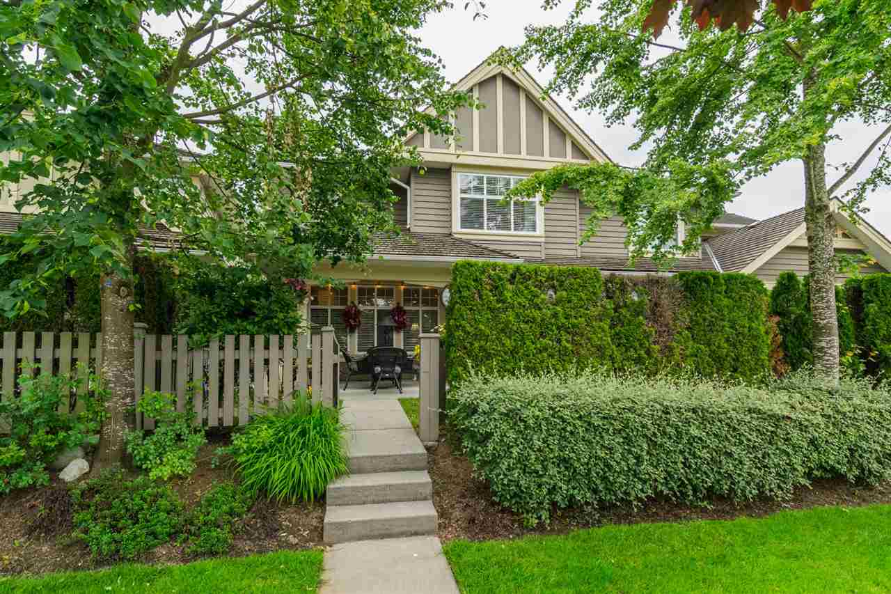 "Main Photo: 15 15450 ROSEMARY HEIGHTS Crescent in Surrey: Morgan Creek Townhouse for sale in ""THE CARRINGTON"" (South Surrey White Rock)  : MLS(r) # R2176229"