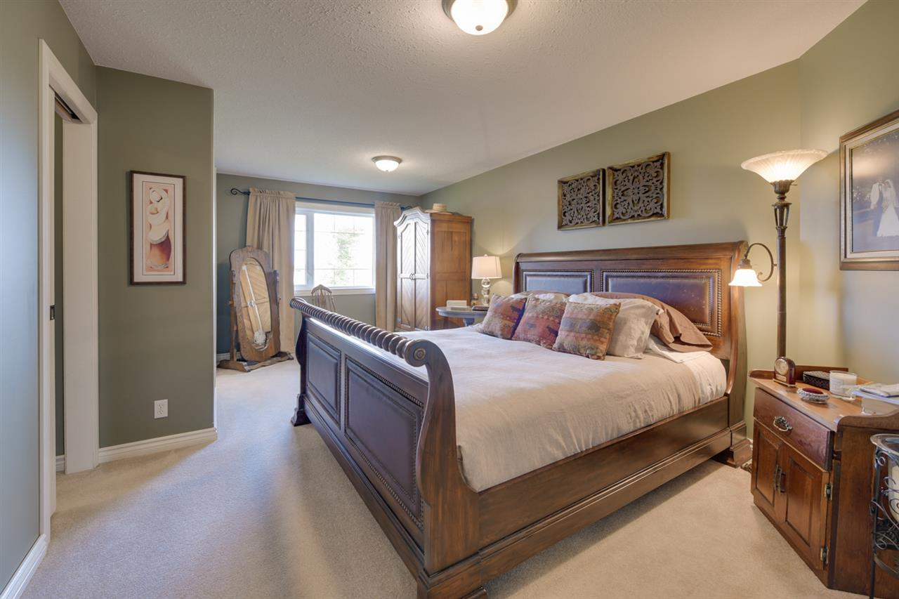 Large master bedroom with walk in closet and 4 piece ensuite