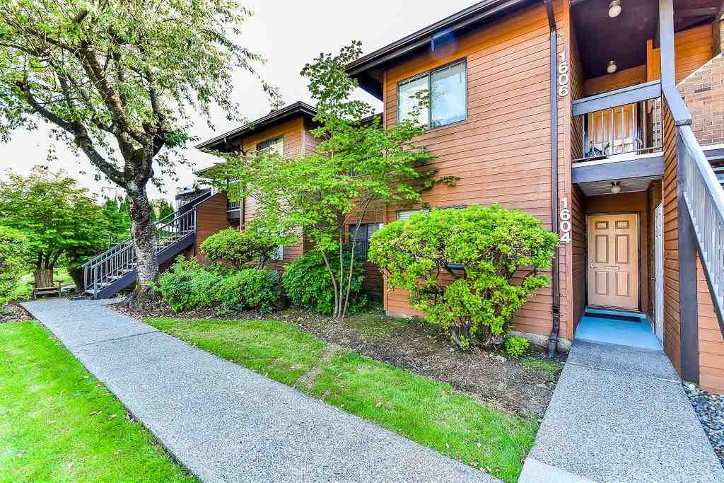 Main Photo: 1604 10620 150 Street in Surrey: Guildford Townhouse for sale (North Surrey)  : MLS®# R2183507