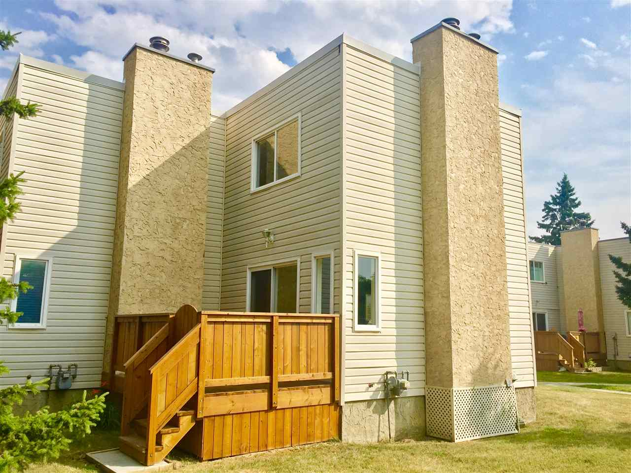 Main Photo: 7222 MILL WOODS Road S in Edmonton: Zone 29 Townhouse for sale : MLS® # E4074013