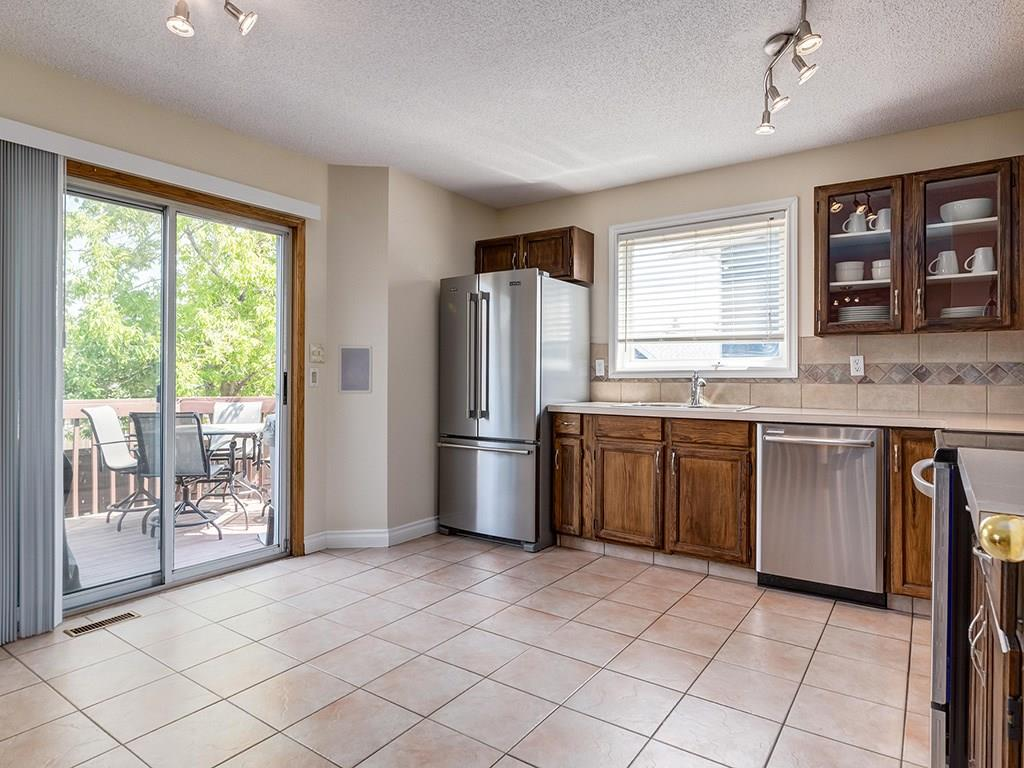 Photo 6: 20 RIVERSIDE Place SE in Calgary: Riverbend House for sale : MLS® # C4129406