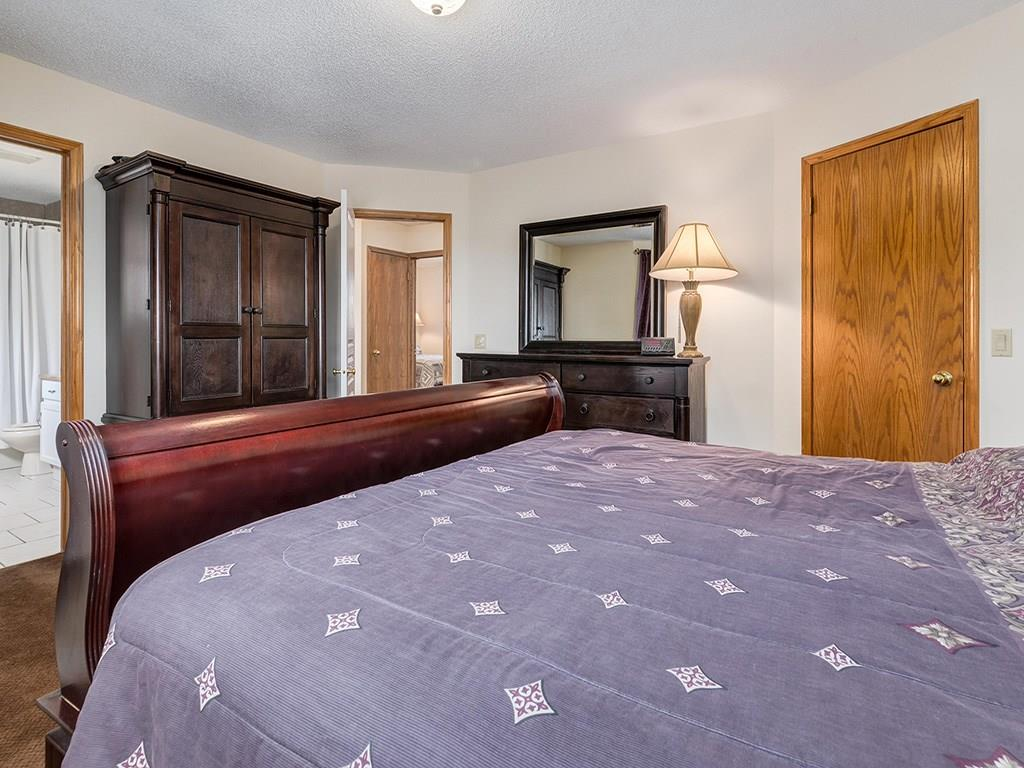 Photo 11: 20 RIVERSIDE Place SE in Calgary: Riverbend House for sale : MLS® # C4129406