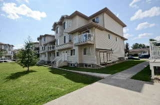 Main Photo: 67 2505 42 Street in Edmonton: Zone 29 Townhouse for sale : MLS® # E4077000