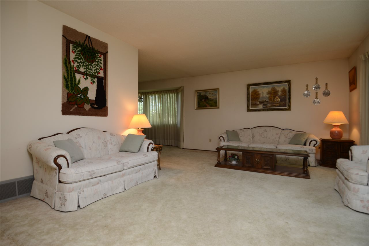 Photo 3:  in Edmonton: Zone 29 House for sale : MLS® # E4077564