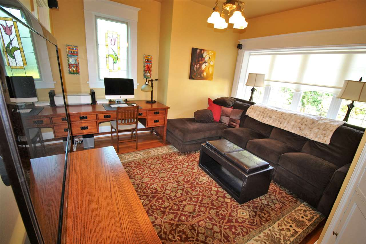 Photo 5: 335 PINE Street in New Westminster: Queens Park House for sale : MLS® # R2202054