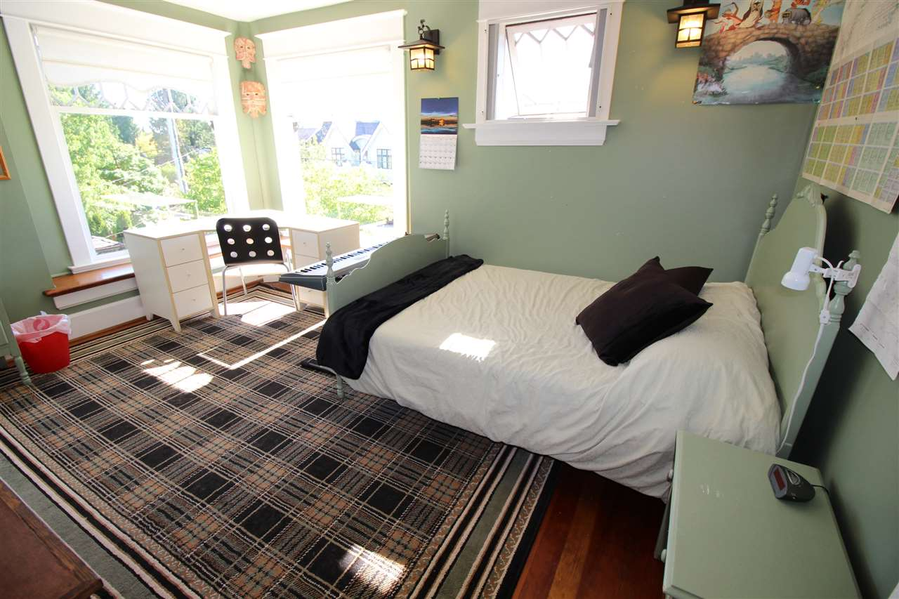 Photo 10: 335 PINE Street in New Westminster: Queens Park House for sale : MLS® # R2202054