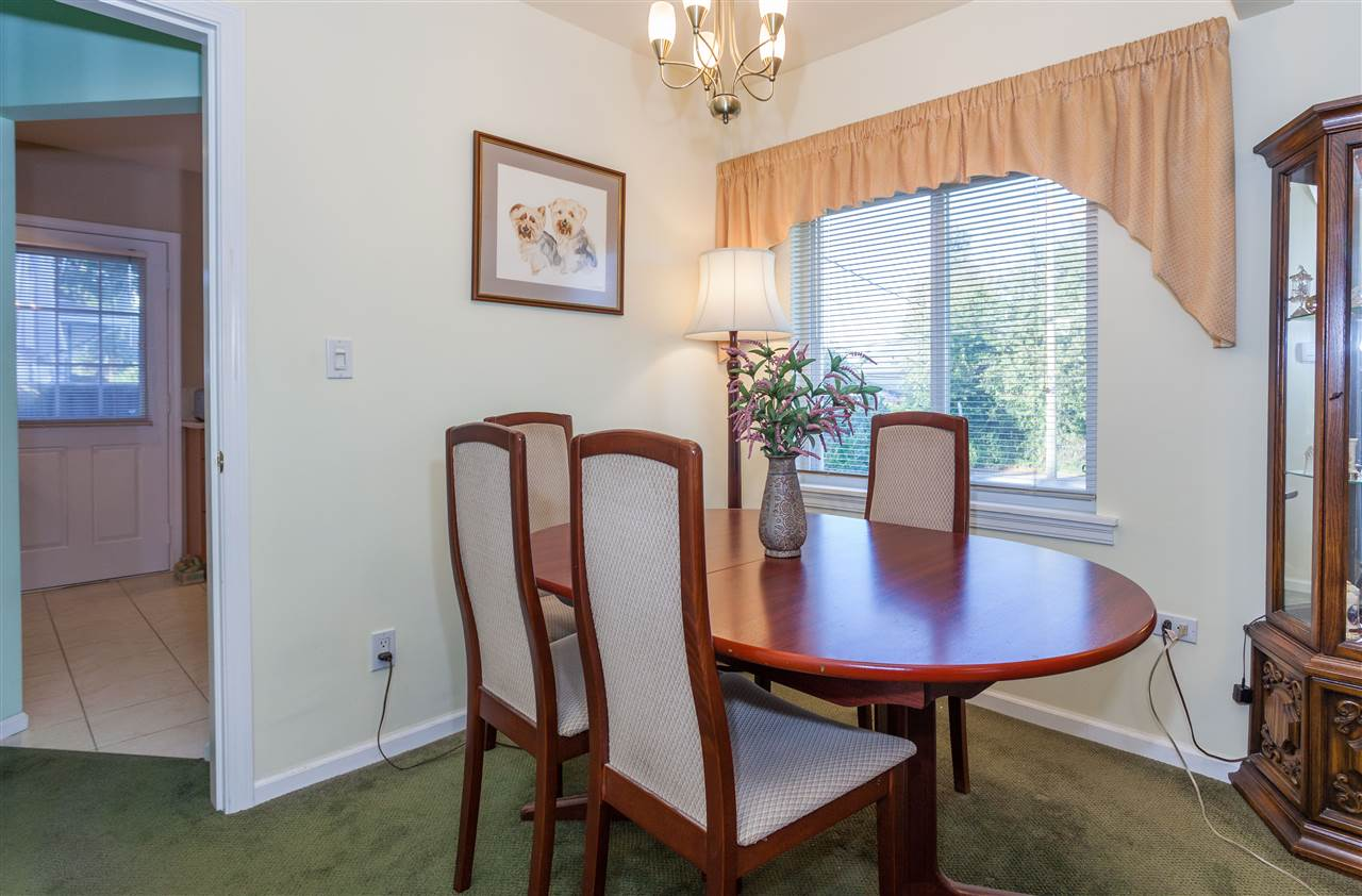 Photo 9: 6495 WALKER Avenue in Burnaby: Upper Deer Lake House for sale (Burnaby South)  : MLS® # R2205445
