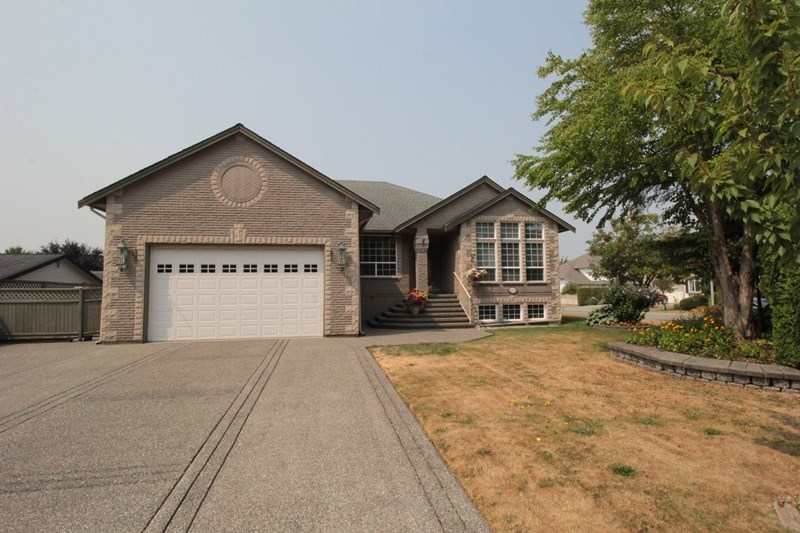 "Main Photo: 4623 224 Street in Langley: Murrayville House for sale in ""Murrayville"" : MLS® # R2208365"