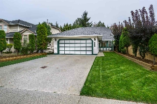 "Main Photo: 9726 151B Street in Surrey: Guildford House for sale in ""Guildford"" (North Surrey)  : MLS® # R2209240"