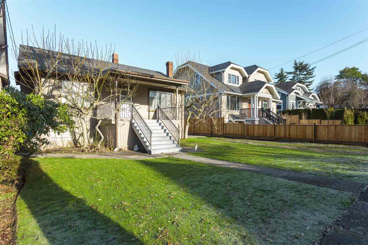Main Photo: 2525 W 8TH Avenue in Vancouver: Kitsilano House for sale (Vancouver West)  : MLS®# R2232321
