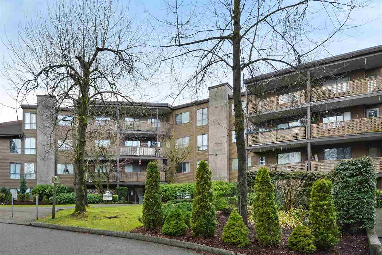 "Main Photo: 108 10662 151A Street in Surrey: Guildford Condo for sale in ""Lincoln's Hill"" (North Surrey)  : MLS® # R2238648"
