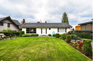 Main Photo: 965 BEAUMONT Drive in North Vancouver: Edgemont House for sale : MLS®# R2265336