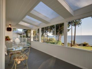 Main Photo: 7555 EUREKA Place in Halfmoon Bay: Halfmn Bay Secret Cv Redroofs House for sale (Sunshine Coast)  : MLS®# R2282800
