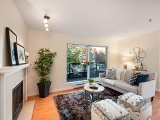 "Main Photo: 209 1925 W 2ND Avenue in Vancouver: Kitsilano Condo for sale in ""Windgate Beach"" (Vancouver West)  : MLS®# R2315244"