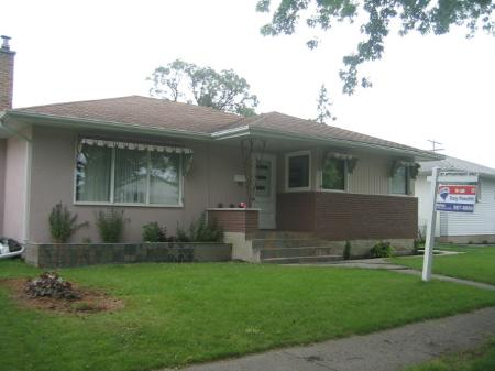 Main Photo: 495 Roberta Avenue: Residential for sale (East Kildonan)  : MLS(r) # 2813889