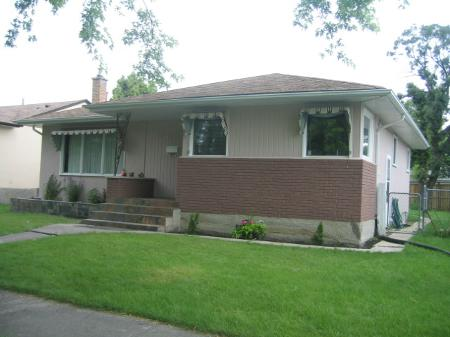 Photo 2: Photos: 495 Roberta Avenue: Residential for sale (East Kildonan)  : MLS® # 2813889