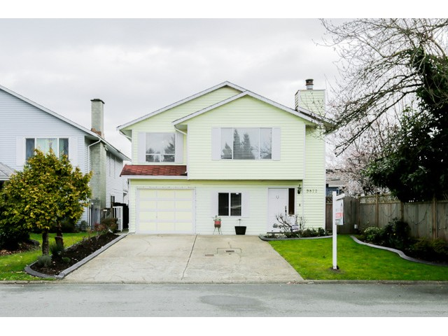 Main Photo: 9822 149A Street in Surrey: Fleetwood Tynehead House for sale : MLS(r) # F1434886