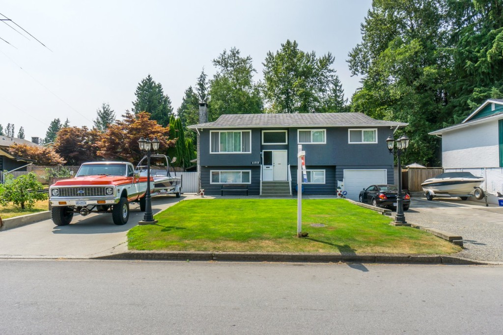Welcome to 11717 209 Street, Maple Ridge!