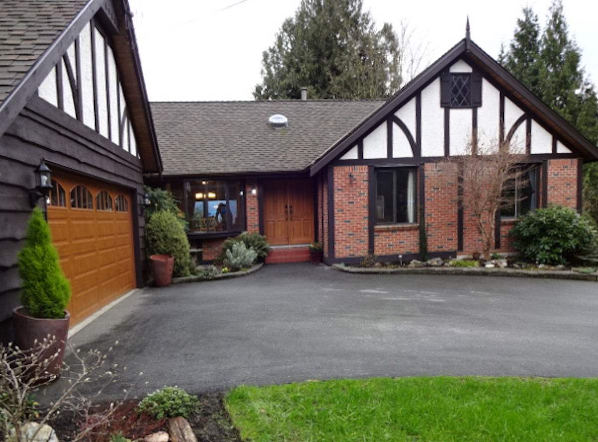 "Main Photo: 36178 DAWN Crescent in Abbotsford: Abbotsford East House for sale in ""Sunrise Park"" : MLS® # R2035591"