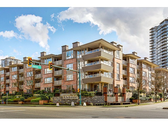 "Main Photo: 316 801 KLAHANIE Drive in Port Moody: Port Moody Centre Condo for sale in ""INGLENOOK"" : MLS(r) # R2041586"