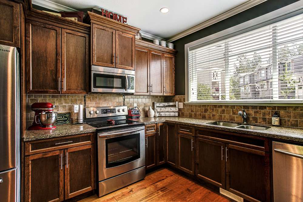 "Photo 3: 77 11252 COTTONWOOD Drive in Maple Ridge: Cottonwood MR Townhouse for sale in ""COTTONWOOD RIDGE"" : MLS® # R2062790"