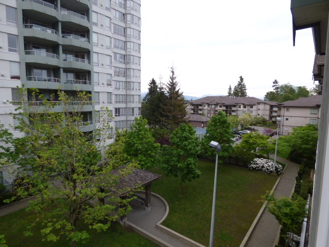 Main Photo: 411 14859 100 Avenue in Surrey: Guildford Condo for sale (North Surrey)  : MLS® # R2065811